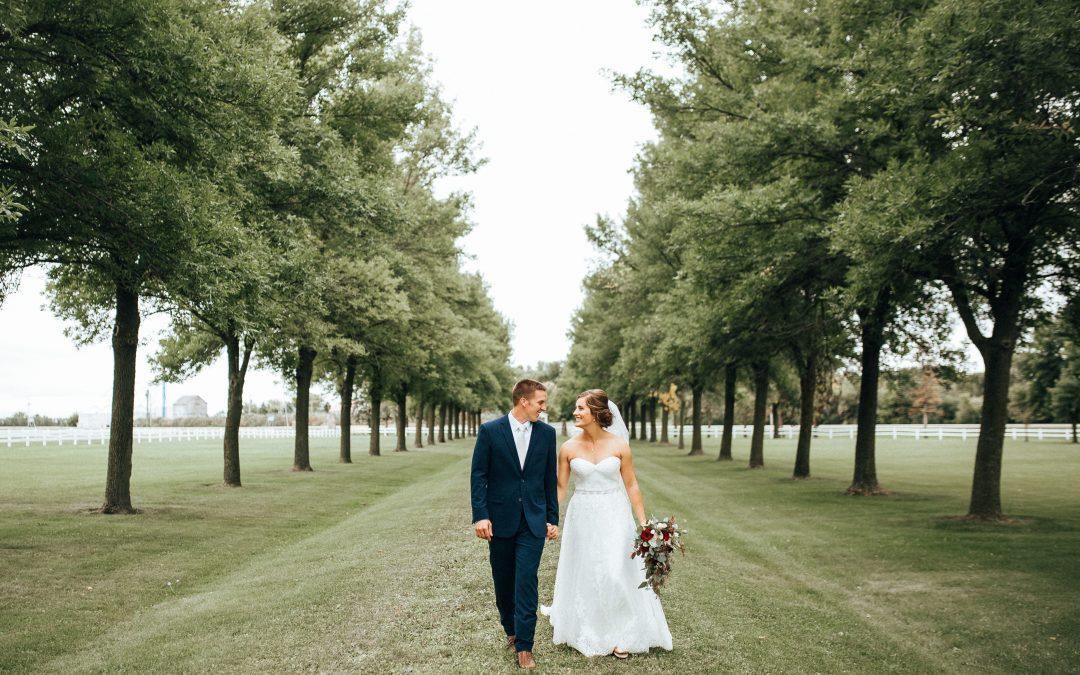 Gilfillan Estate Wedding | Redwood Falls, MN | Andy & Carolyn