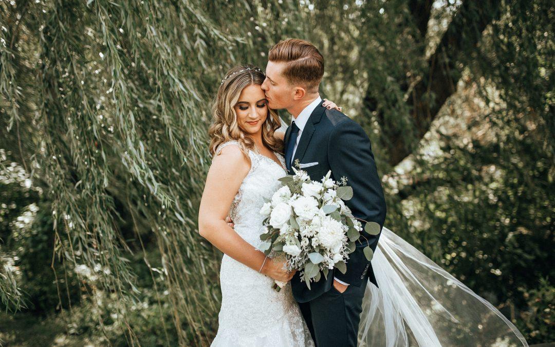 Chankaska Creek Winery Wedding | Baylea & Jake