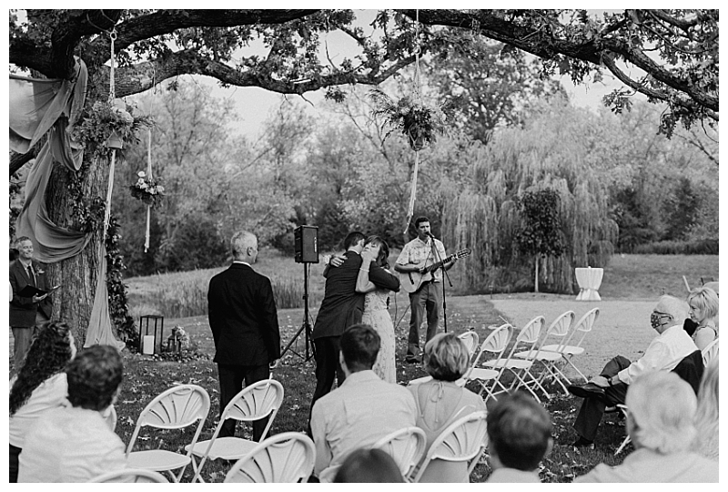 Minnesota Backyard Wedding Stillwater_0050.jpg
