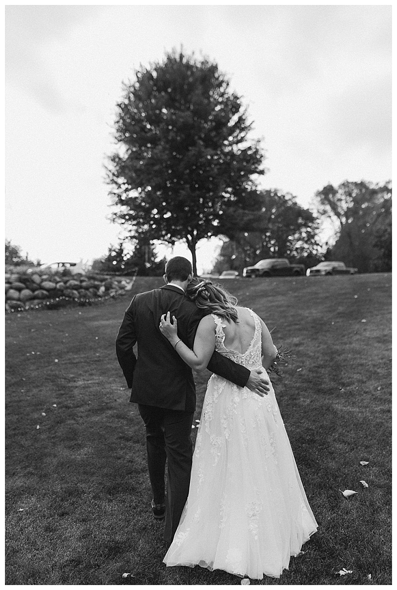 Minnesota Backyard Wedding Stillwater_0066.jpg